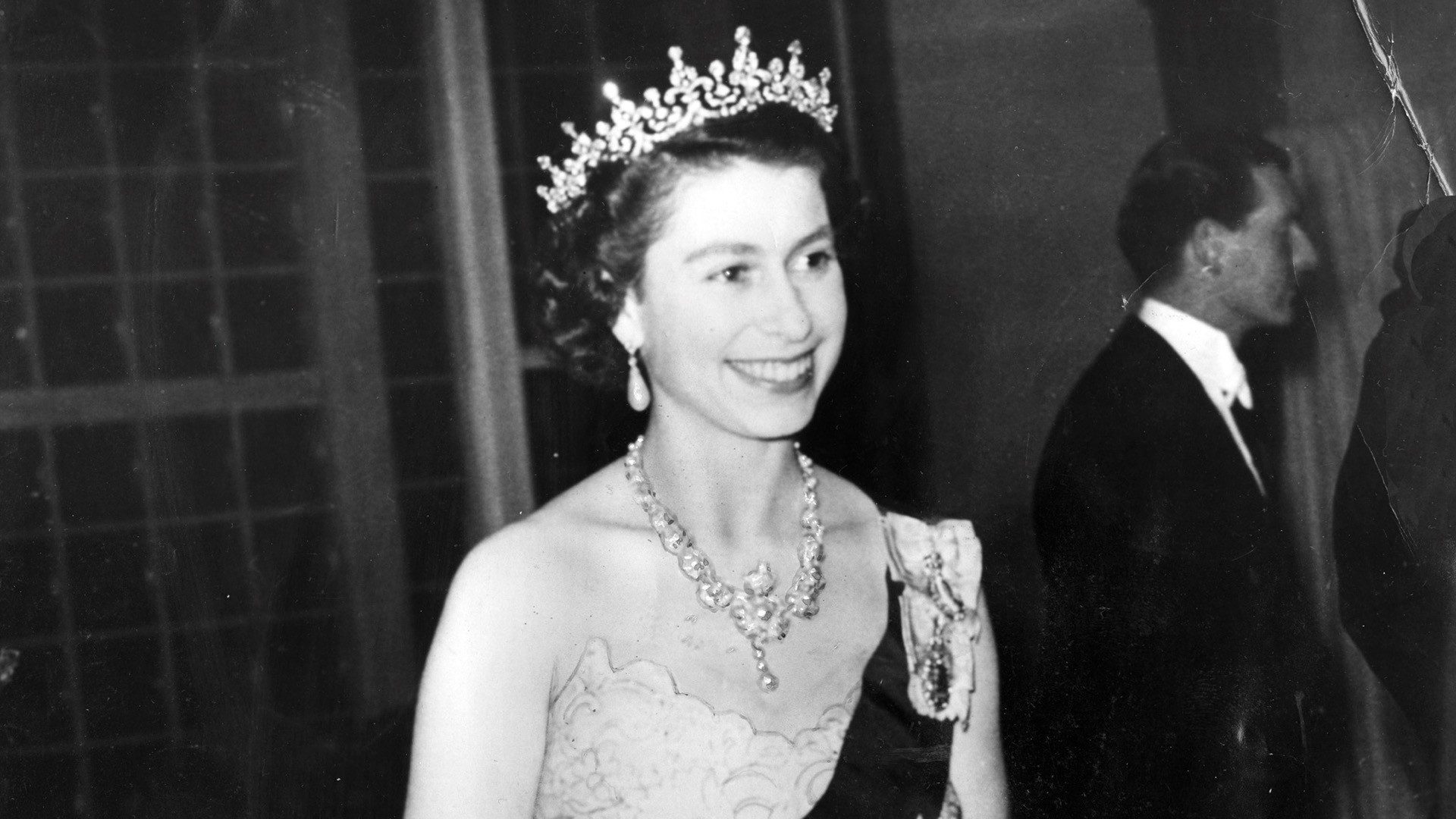 Queen Elizabeth celebrates 90 years of life