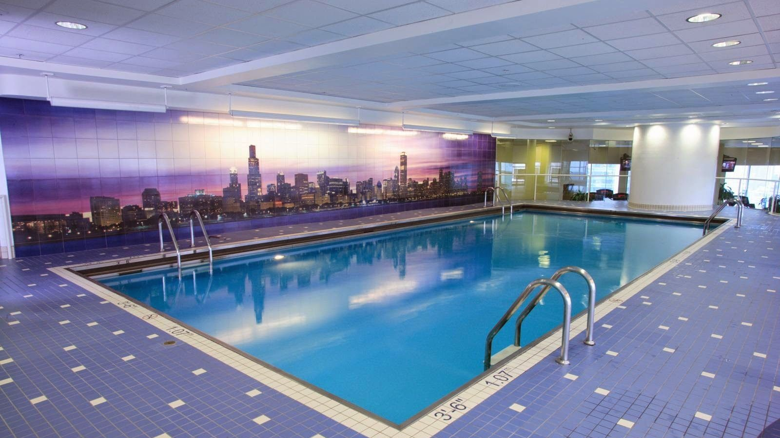 Hotel Pool, Swisshotel Chicago, Healthy Living + Travel