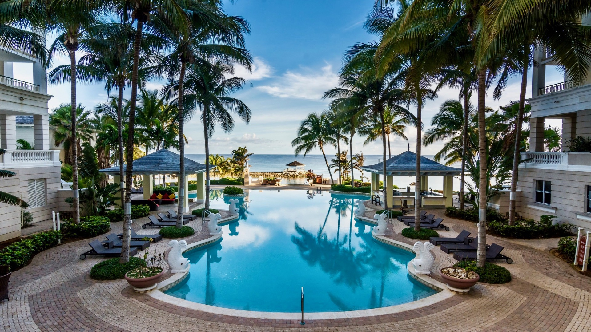 Experience total tranquility in a serene setting at Grande Spa, a brand new two-story, 30,000-square-foot sanctuary of lush tropical gardens, courtyards, terraces and balconies in the Jewel Grande Resort & Spa, Healthy Living + Travel